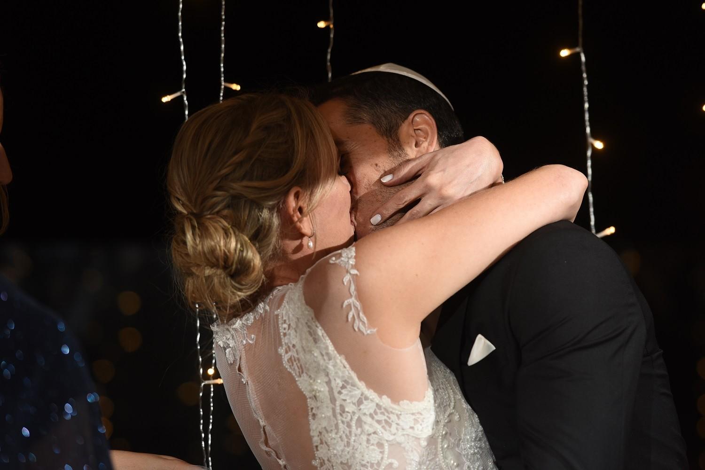 חותמים בנשיקה ב5.91 - יעל וניר